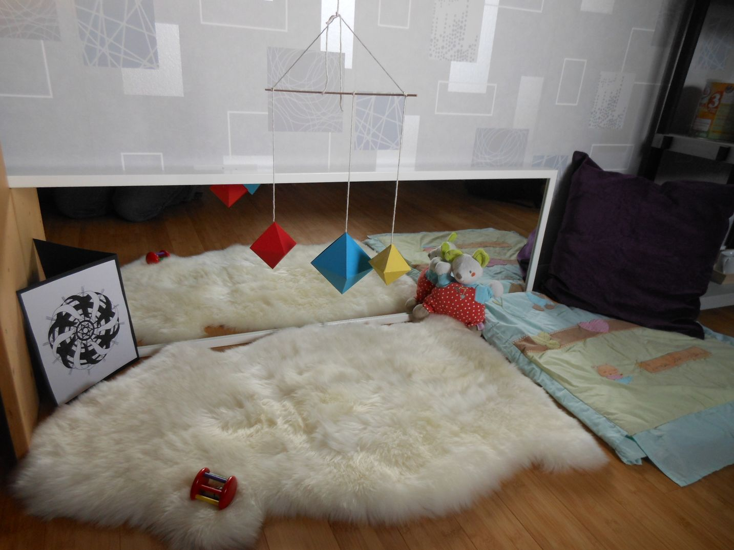 Awesome Miroir Chambre Bebe Montessori Ideas - Awesome Interior ...
